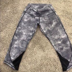 lulu Capri  leggings size 10👟